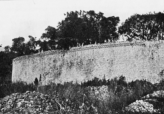 Exterior of great enclosure, Great Zimbabwe